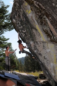 "Isaac Caldiero sends ""Defenistration"" v9 at the Castle Boulder."